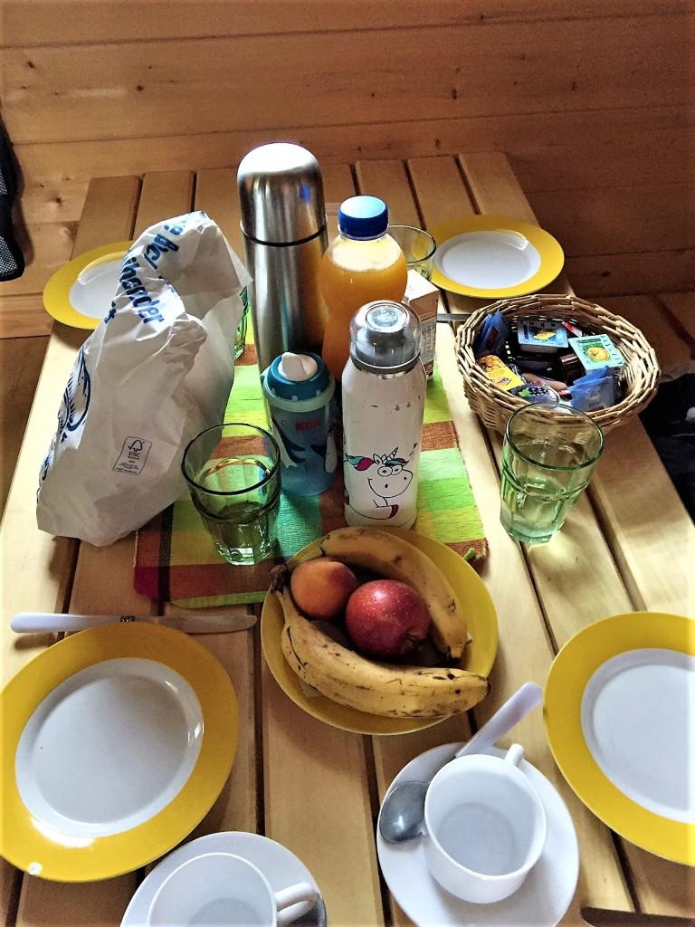 Frühstückstisch im Baumhaus, Erlebnispark Voglsam