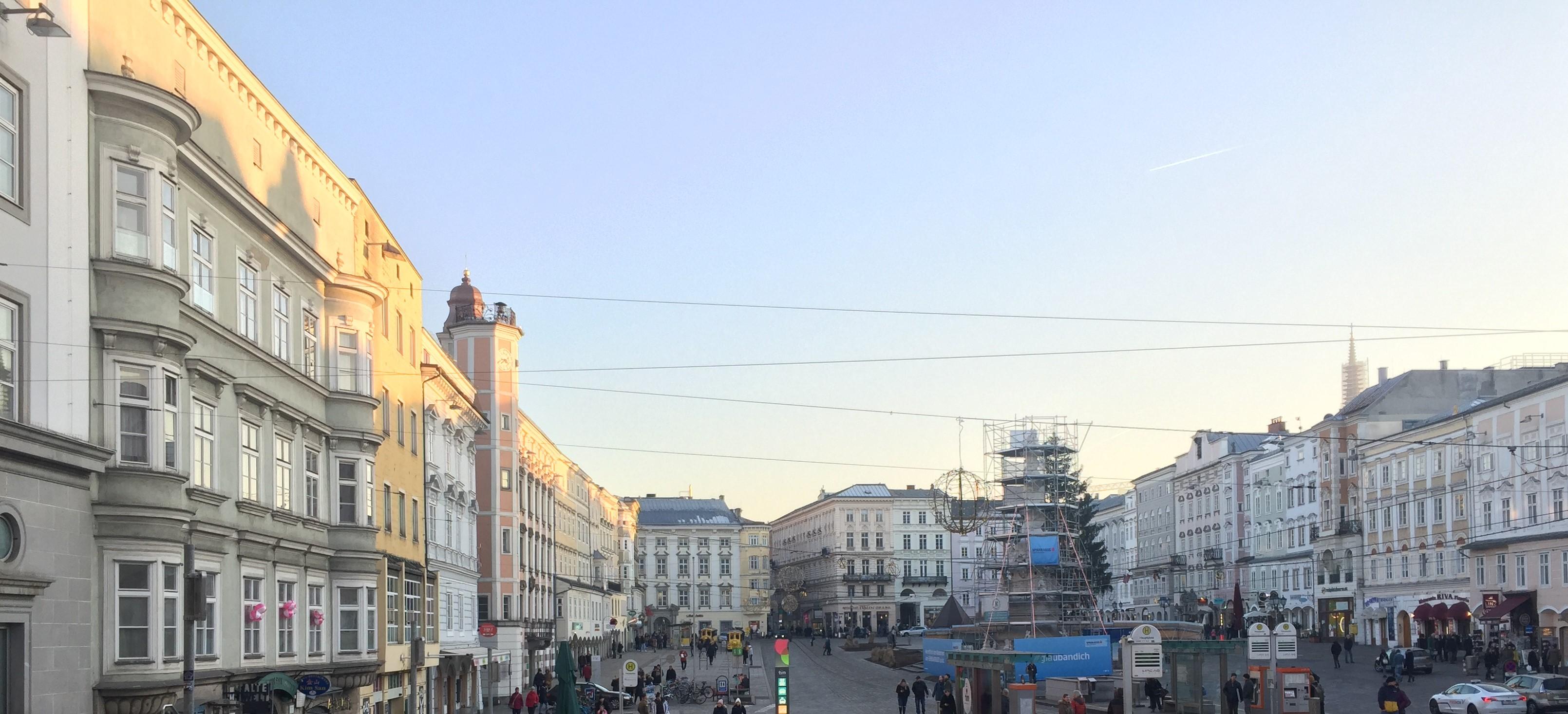 Linz Hauptplatz und Dreifaltigkeitssäule